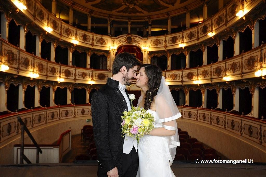 teatro_giuseppe_verdi_piacenza_sposi_foto_non_in_posa