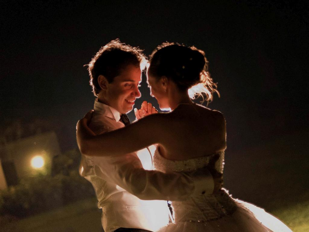 foto_sposi_parma_matrimonio_allaperto_non_in_posa_spontanee_tabelau_marriage_bacio_scambio_anelli_riso_chiesa_via_francigena_duomo_matrimoni
