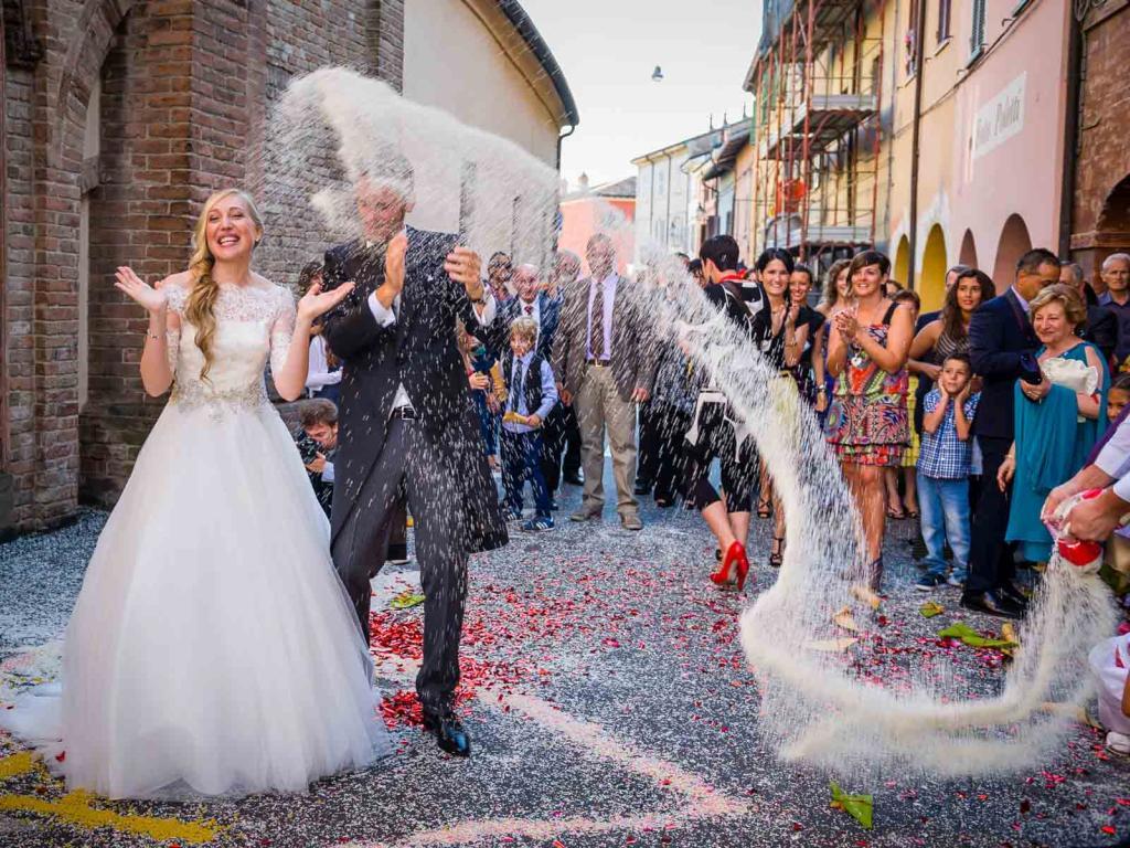 fotografo_matrimoni_parma_foto_non_in_posa_album_mantova_modena_piacenza_sposi_foto_carra_bianchi_matrimonio_cerimonia